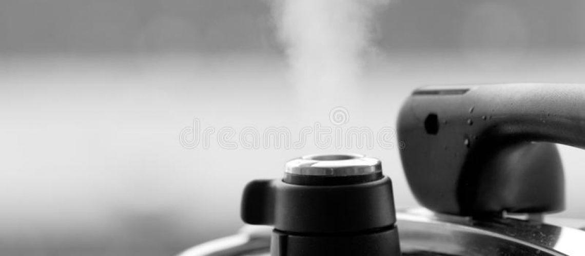 pressure-cooker-black-white-picture-steam-escaping-48356627